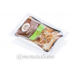 Focaccia mit gorgonzola und gehackten haselnüssen 160 g